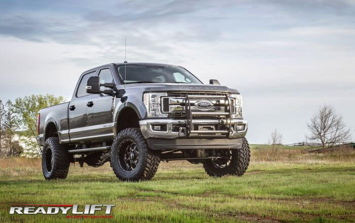 ReadyLIFT 8 Inch Lift Kit with SST3000 Shocks for Ford Super Duty SRW 4WD